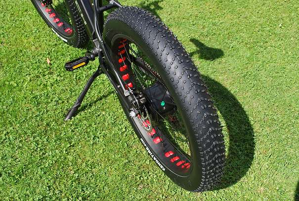 fatbike mit federgabel 350w bafang motor 36v 10 4ah. Black Bedroom Furniture Sets. Home Design Ideas