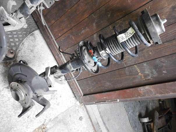 komplettes Federbein vorne rechts VW Fox Radaufhängung Achsschenkel Radlagergehäuse
