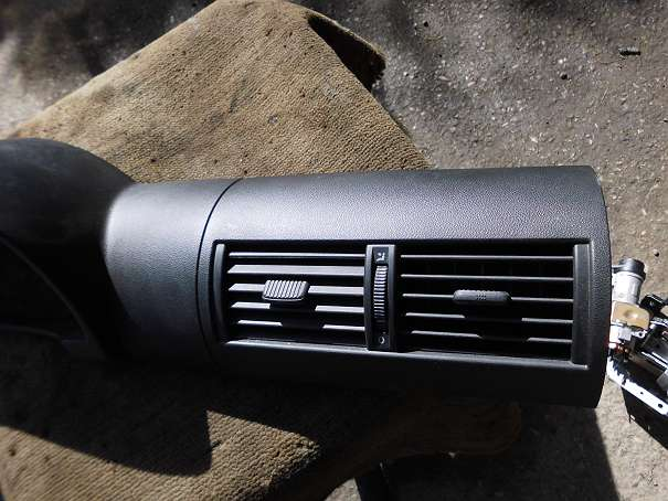 Armaturenbrett VW Fox 5Z 5Z0858069C 5Z0819728 Lüftungsdüse Schalttafelabdeckung Verkleidung Tachorahmen