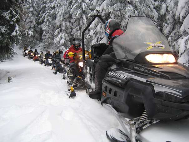 Snowmobile Safari, Motorschlitten tour,