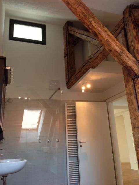 wunderschöne Holzverstrebungen in den Räumlichkeiten, die ein behagliches Wohngefühl erzeugen