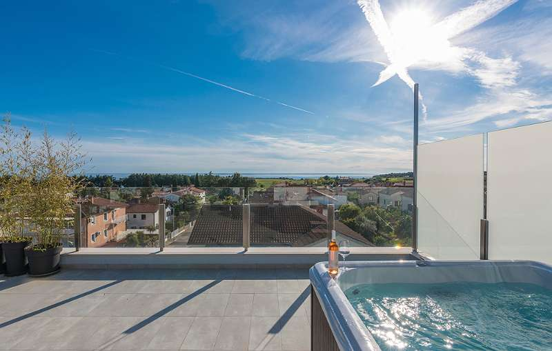Luxurioses Appartement Mit Dachterrasse Sauna Und Whirlpool