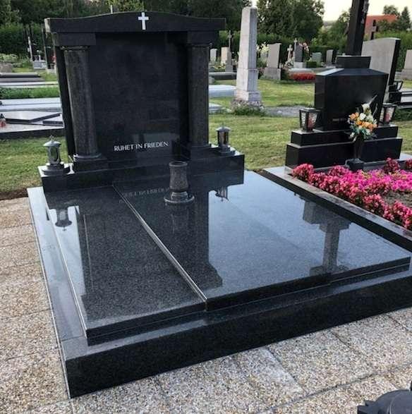 Bekannt Grabstein, Grabmal von dem Hersteller, € 3.500,- (9400 Ungarn DE46