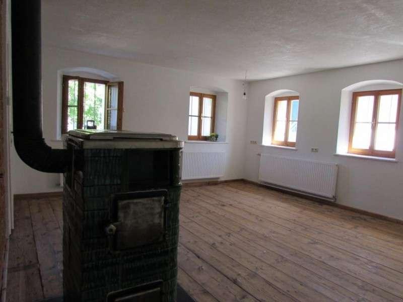 Wohnzimmer mit Kachelofen 2