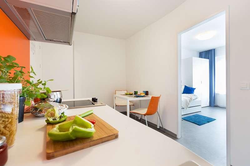 STUDENTENWOHNUNG - Einzelzimmer in modernen, komplett möblierten Apartments mit Kleinküche