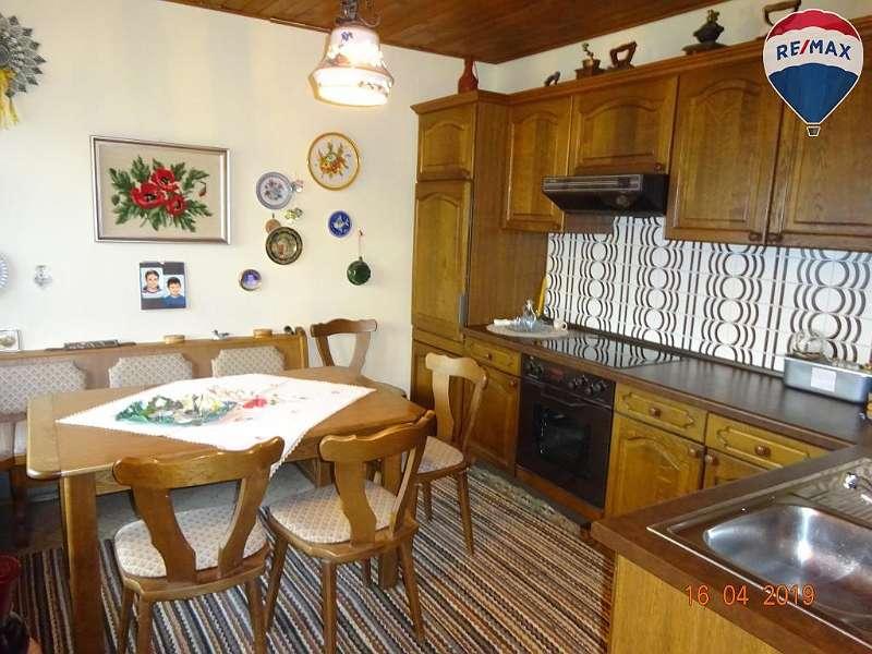 8) Küche