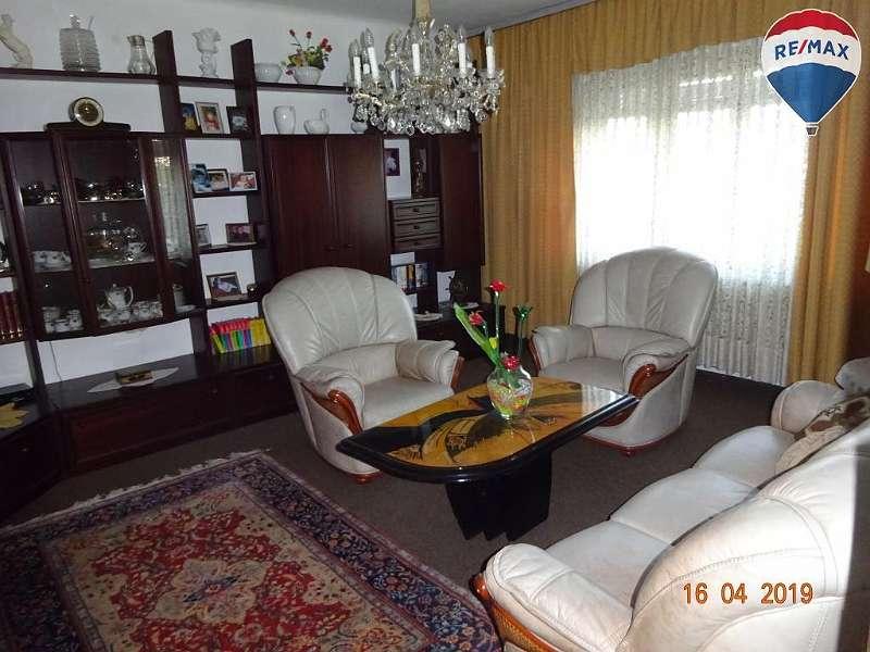 7) Wohnzimmerbereich