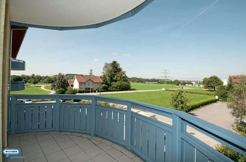 Bild 1 von 7 - Loggia und Balkon ca. 9,54 m ² Blick nach West