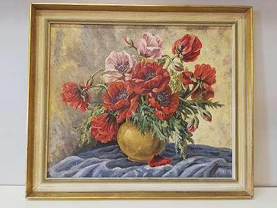 Stilleben mit Roten Blumen in Kugelvase