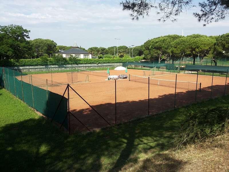 Tennisplaetze