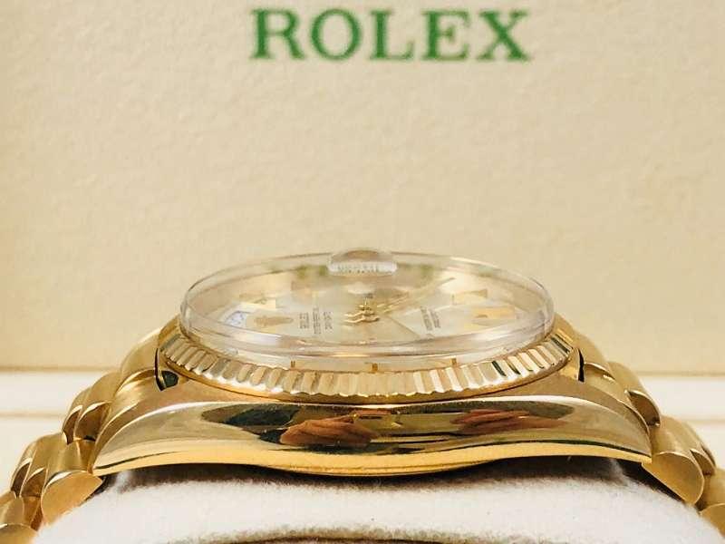 (nicht mehr verfügbar) ROLEX DAY DATE 18K GOLD PLEXI AUS 1966 IN TRAUM ZUSTAND! SERVICE BEI ROLEX UM ¤2.000! GEMACHT UND SEITDEM NICHT MEHR GETRAGEN! 2 JAHRE GARANTIE VON UNSEREM HAUSE, GERNE TAUSCHEN WIR AUCH EIN