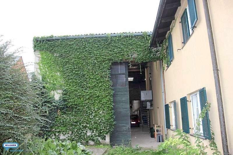 Großzügige massive 400m² Halle mit Wohnhaus, sucht neue Nutzung
