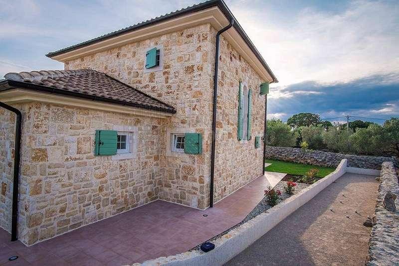 Schönes freistehendes neues Steinhaus in der Nähe der Stadt Krk!