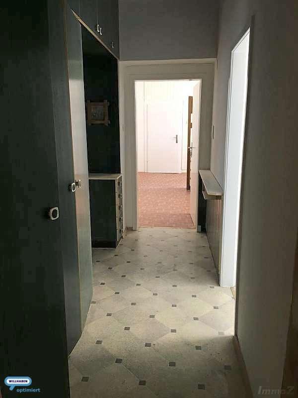 In die Wohnung/Garderobe