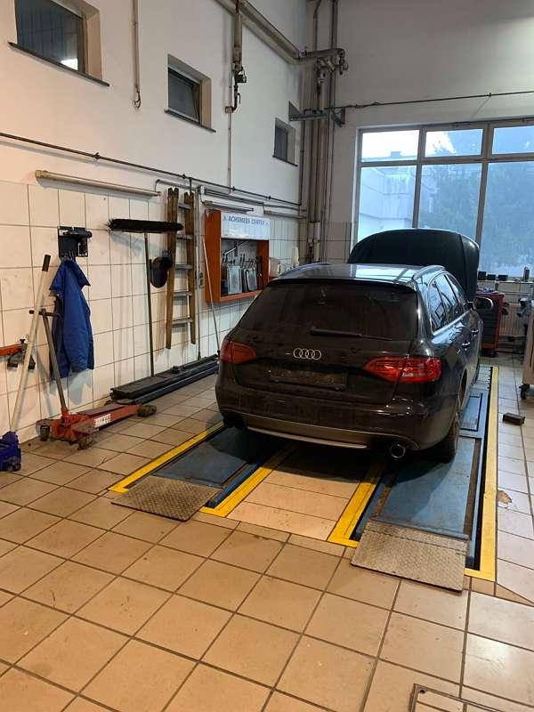 Werkstatt direkt an der B1 in Attnang-Puchheim