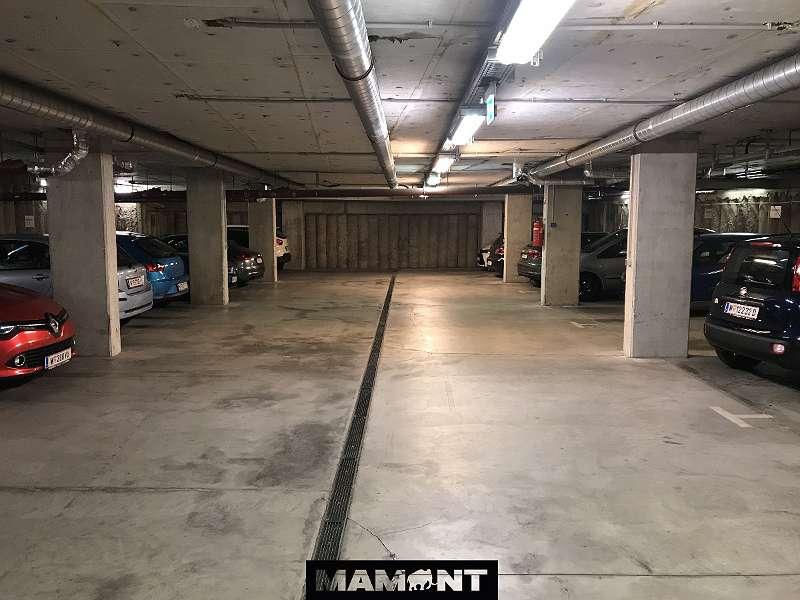 Garagenplatz | Flachgasse 1 / Linzer Straße