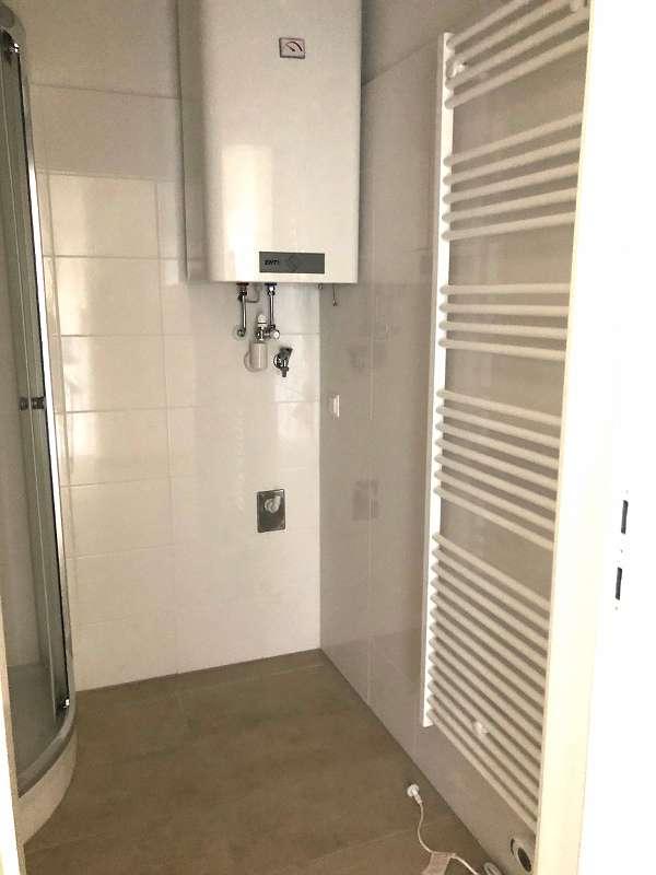 Schöne, NEU SANIERTE 1-Zimmerwohnung, extra Küche, sonniger Balkon, GEIDORF