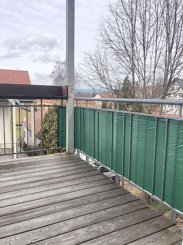 4-Zimmerwohnung mit großzügigem Balkon und Garten