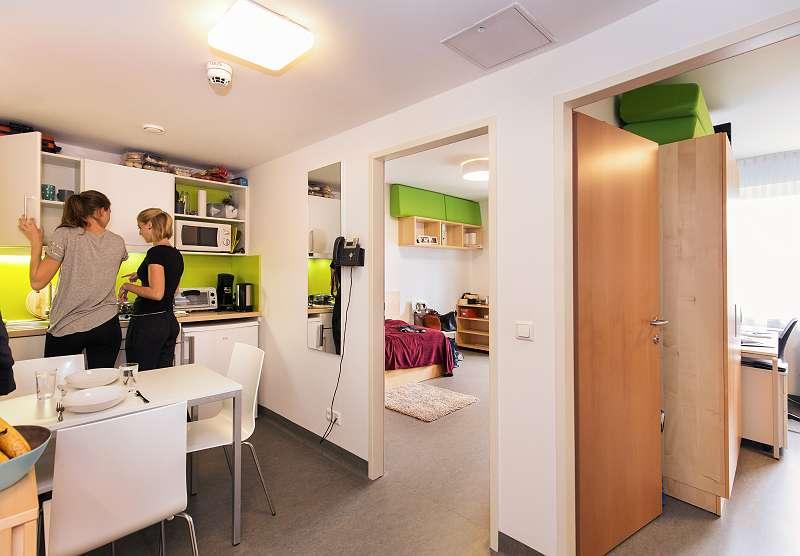 Vorraum mit Küchenzeile des 2er Apartments