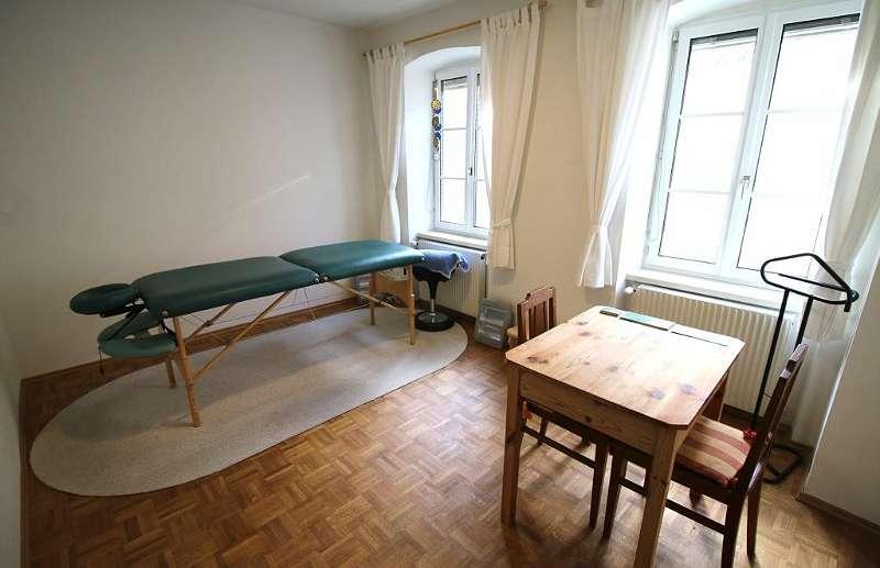 Bild 1 von 12 - Massageraum