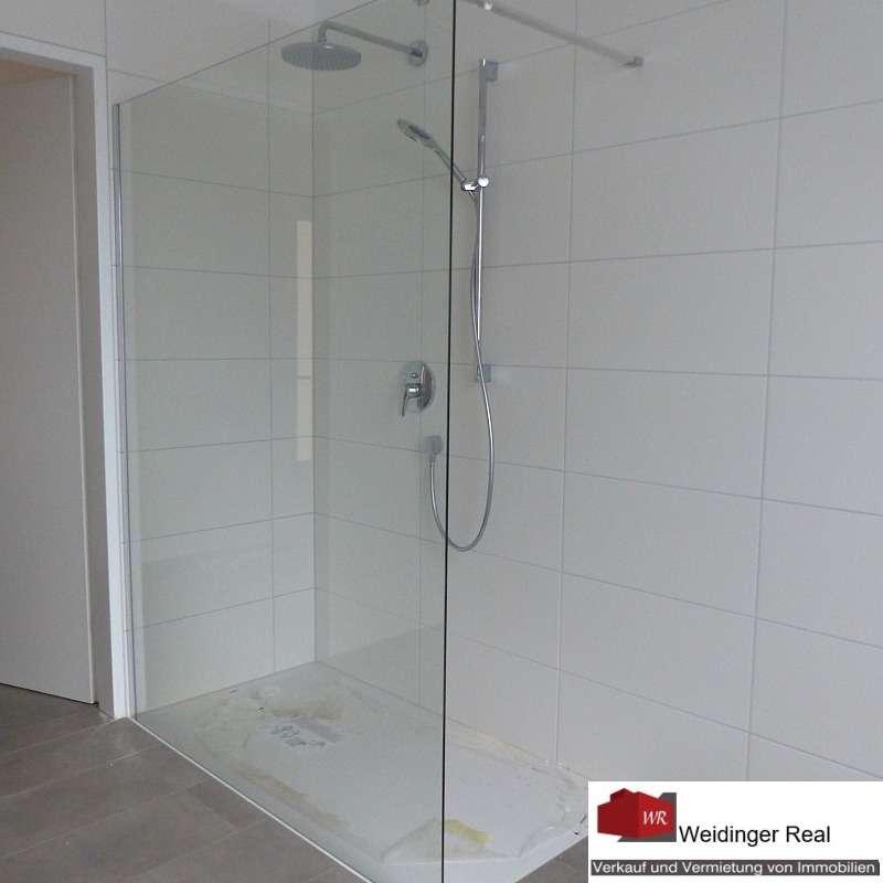 Bad (mit Dusche)