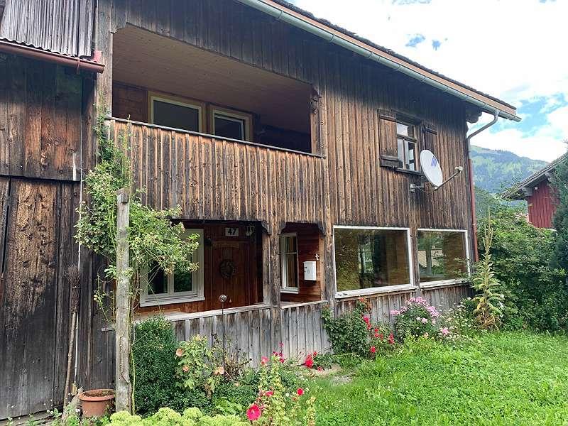 Haus mit Garten im Bregenzerwald