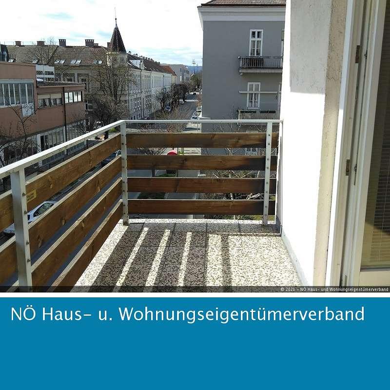 Bild 1 von 9 - Balkon