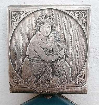Mutter mit Kind - Silberschatulle