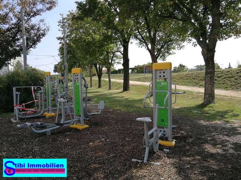 Spielplatz, Fitnesgeräte, 5 min. endfernt von Wohnung