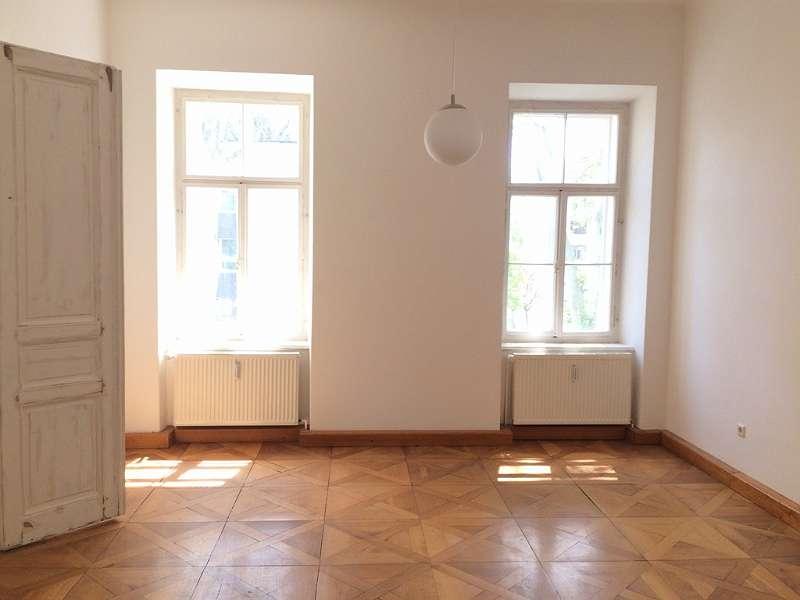 Zentrumsnahe Büroräume - Nähe LKH - mit Balkon!