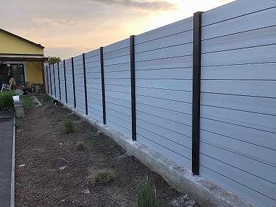 Zaun aus WPC mit WPC Zaunpaneelen