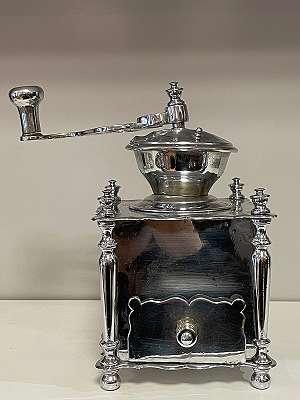 Kaffeemühle verchromt