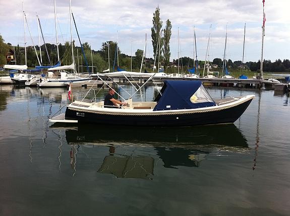 Großes Elektroboot M 710 Classico - Elektroboot - Badeboot - Motorboot Konsolenboot NEU