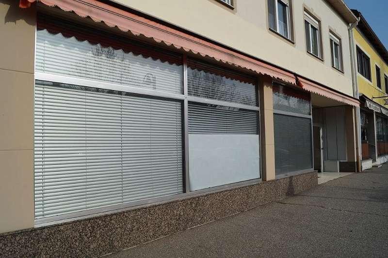 2 Geschäftslokal-Podersdorf,Auslagenportale