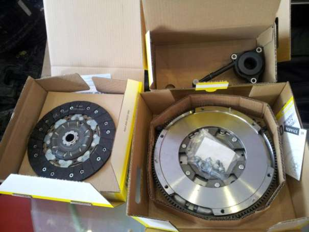 Kupplungssatz LuK RepSet DMF 600 0038 00 für VW PASSAT/ AUDI A4 1,9 Tdi 85 KW / 96 KW 600003800