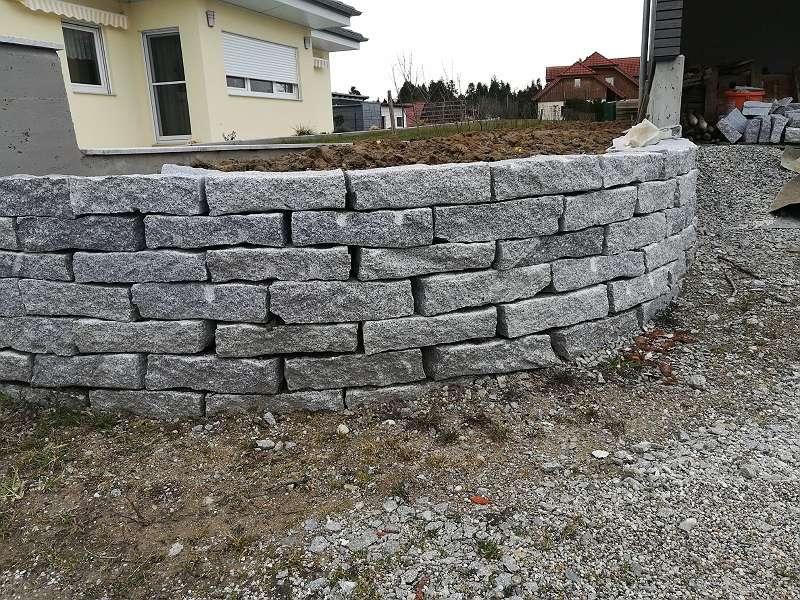 granit steine granitstein leistensteine mauersteine 40. Black Bedroom Furniture Sets. Home Design Ideas