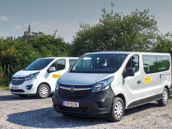 miet mich leihwagen adam astra mokka zafira movano 9 sitzer bus umzugstransporter. Black Bedroom Furniture Sets. Home Design Ideas