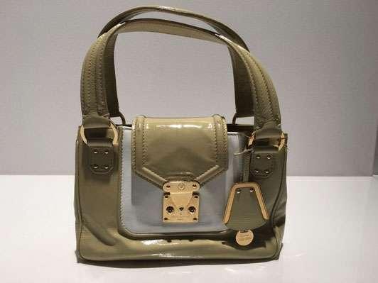 original louis vuitton handtasche mieten bei brand4rent 99 1010 wien willhaben. Black Bedroom Furniture Sets. Home Design Ideas