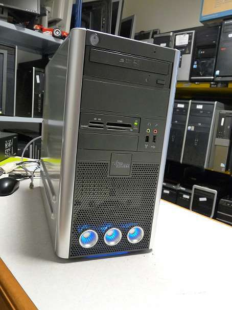 Quadcore AMD PHENOM X4 9650 2.30GHZ 4GB RAM Geforce 6600LE Card Reader DVD RW Win7 Prof 64BIT zz mk3