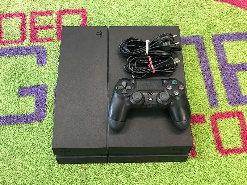 Playstation 4 Standard/ Slim inkl. Spiel und Garantie!