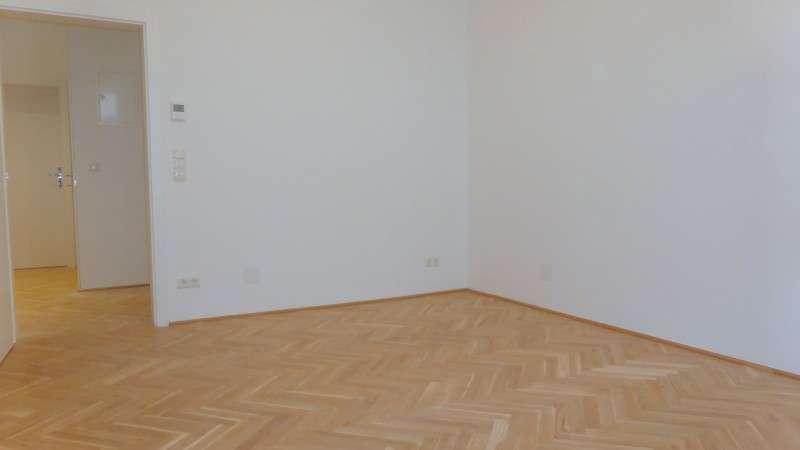 Bild 1 von 10 - Wohnzimmer