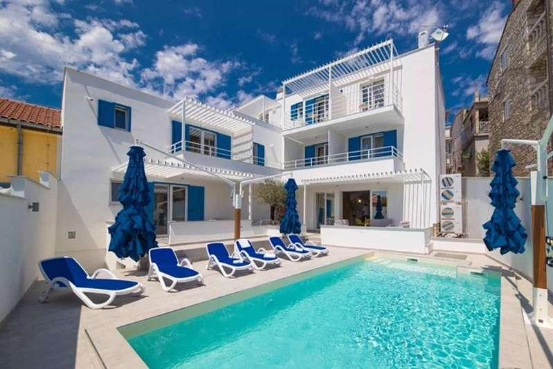 Bild 1 von 13 - Hotel in Kroatien bei Crikvenica zum Verkauf - Panorama Scouting.