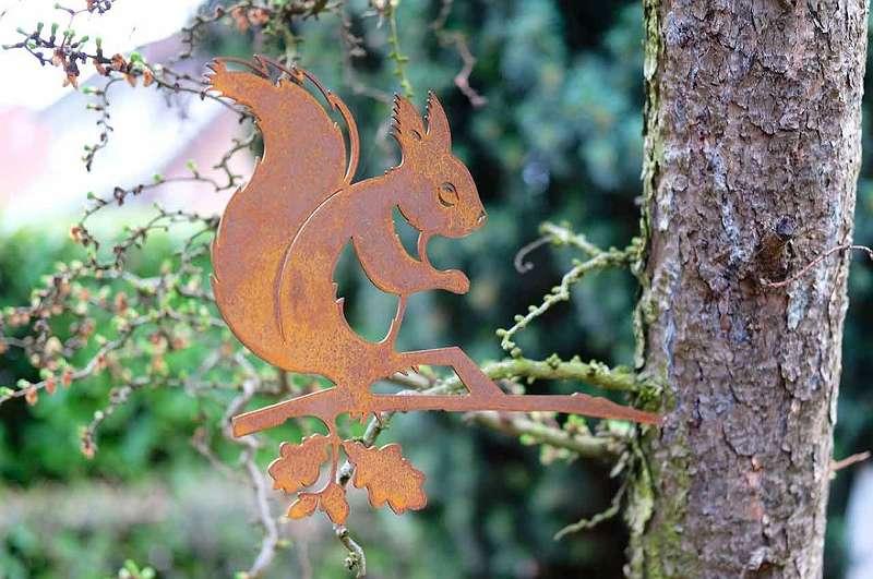 Baumstecker Eichhörnchen Metalldeko Rost