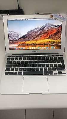 MacBook Air (11-inch, Early 2015)