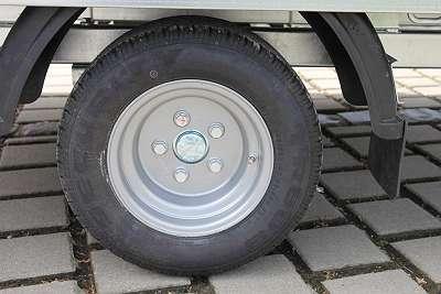 NEUE ANHÄNGER Reifen INKLUSIVE Montage
