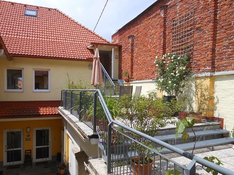 Terrassenbereich im Innenhof