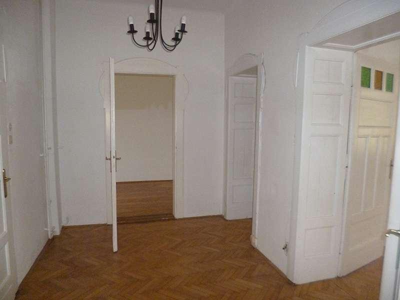 Tolle 3-Zimmer Villenetage mit Veranda - Nähe Schloss Eggenberg
