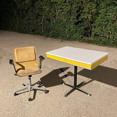 Retro Original 60er-Jahre Küchentisch Schreibtisch Vintage Drehstuhl