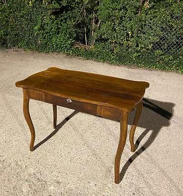 Wiener Barock Damen Schreibtisch Nussholz Furnier
