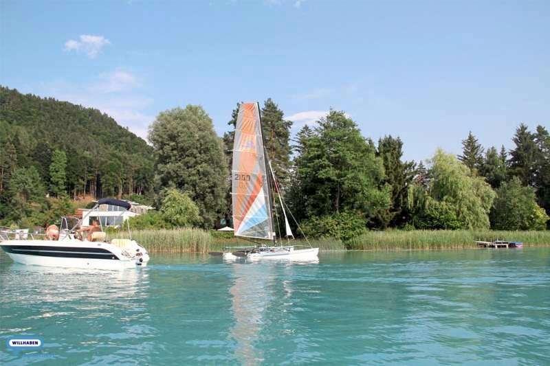 Bild 1 von 13 - Boot  am See